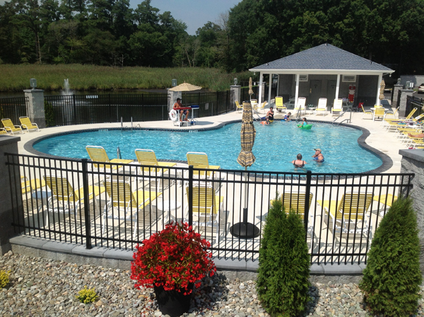 Clubhouse_pool_delaware